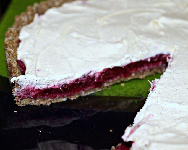 Vanilla cream plum tart