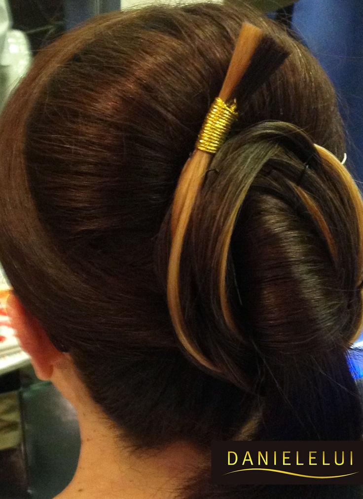 Lo #chignon...elegante e di grande effetto! Perfetto per le #Spose o per una serata particolare #hairstyle #beauty
