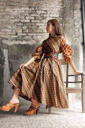 tie colorful batik belt around a dress like this