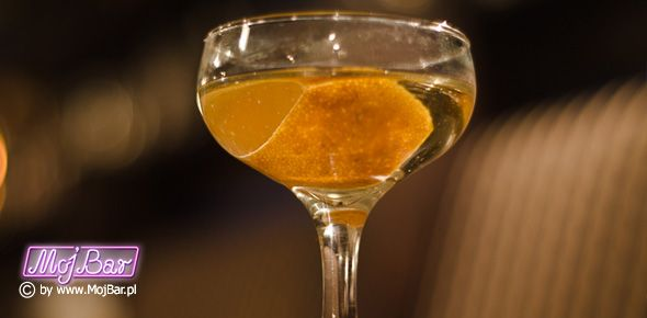 BAMBOO Mocny i aromatyczny:  wermut wytrawny - 40ml, sherry fino - 40ml, cointreau - 10ml, bitter pomarańczowy - 3dash  Przepisy na drinki znajdziesz na: http://mojbar.pl/przepisy.htm