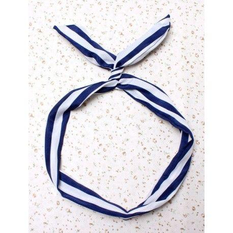⚓ La tendencia Navy sigue esta temporada ⚓⛵⬇ http://www.misstendencias.com/23-adornos-para-cabello #navy #tendencias #complementos #diademas #pinup #moda #blogger #cool #chic #regalos #detalles