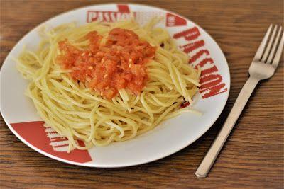 Το φαγητό της μαμάς: Σάλτσα ντομάτας για μακαρόνια