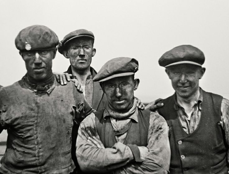 Miners, Horden Pit, County Durham, by E.O. Hoppe, 1935