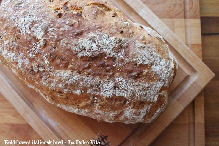 Koldhævet italiensk brød