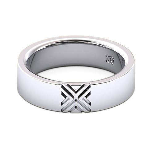18k White Gold Men's wedder with embossed motif to center