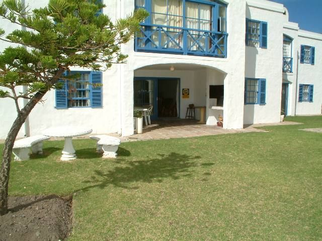 A SHORT WALK TO THE BEACH This first floor apartment in Silversands is very close to the beach and shops. There is a communal pool and gardens. The apartment is very spacious and it has an open plan living area, patio with braai and the bedroom are also nice and big. It is perfect to live in or as a holiday getaway.