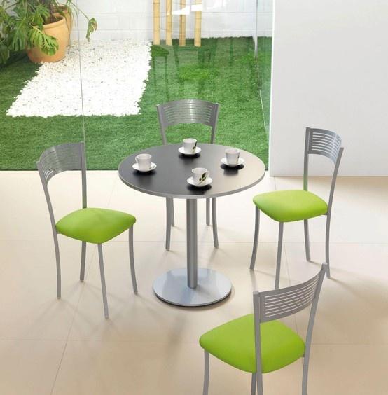 Table draco chaises couleur inox et vert cuisine for Table inox de cuisine
