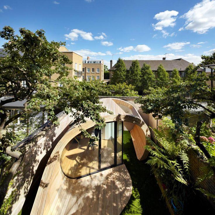 Un guscio in legno in giardino. Lo spazio ufficio si reinventa | LegnoOnWeb