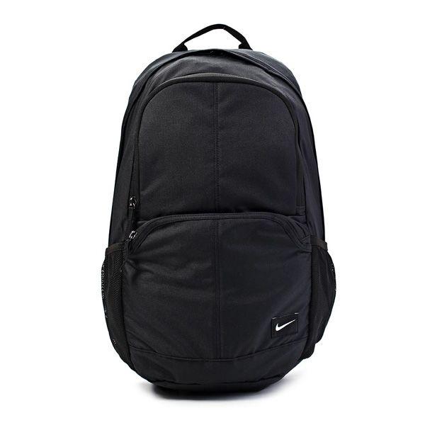 Tas Nike Hawyard Backpack 29L Memiliki bentuk yang ideal untuk dibawa dalam kegiatan formal. Dilengkapi dengan laptop pad dan memiliki kapasitas yang cukup untuk membawa perlengkapan sehari-hari.