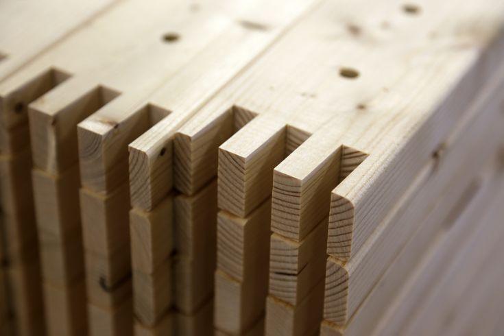 Työvaihe: Sormiliitosten valmistaminen | Craft: Finger joints production Tuotantolinja: Sohvat | Production line: Sofas  #pohjanmaan #pohjanmaankaluste #käsintehty #craftsman #craftsmanship #handmadefurniture #furnituremaker #furnituredecor
