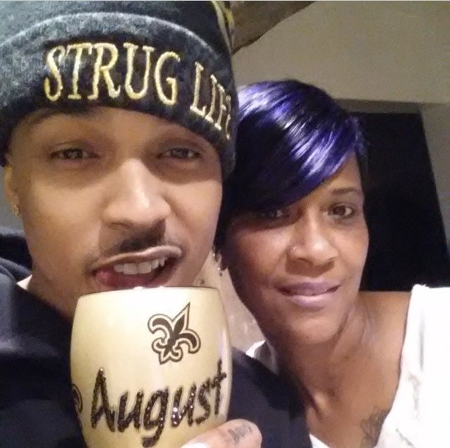 Awww look at mama Sheila and August! He love his mama doe no lie even everything he went through with her he will always have love for his mama and thanks how it should be all the time! Aww auggie! Lol