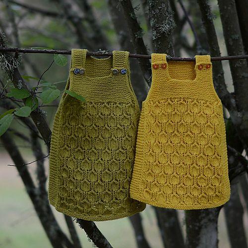 Ravelry: Bringebærkjolen pattern by Pinneguri