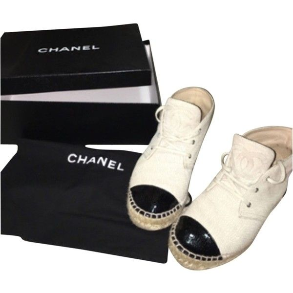 Pre-owned Chanel Black And Beige Flats ($700) ❤ liked on Polyvore featuring shoes, flats, black and beige, flat pump shoes, espadrille flats, chanel flats, espadrilles shoes and black flats