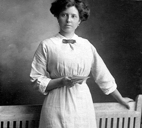 Norah Harriet Ross (nee Gwyyne) 1