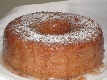 Receita de Bolo de Pinhão. Esse bolo não pode faltar nessa época do ano, principalmente em festas juninas. No Paraná, terra das Araucárias, dos pinhões, esse bolo é tradição. Experimente! É delicioso!
