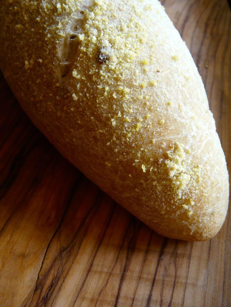 Pane con mais spezzato e semi di girasole http://profumodibroccoli.blogspot.it/2015/06/pagnotta-con-farina-di-piselli-germinati.html