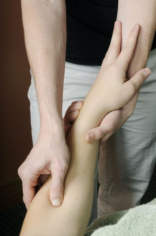 #UpperArlingtonMassage  Rapid Adhesion Release Technique is what I use to treat what I find in my NeuroKinetic Therapy assessments.  It has helped crack some difficult cases that are not normally successful with traditional soft tissue techniques such as plantar fasciitis, sciatica, frozen shoulder and carpal tunnel syndrome just to name a few. https://columbusmassage.abmp.com/rapid-adhesion-release-technique #TreatPlantarFasciitis
