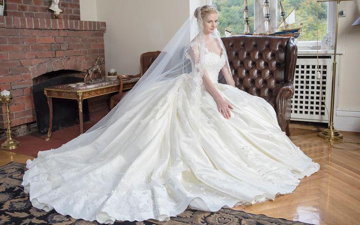 11 best Brautkleider Saray images on Pinterest | Model, Stuttgart ...