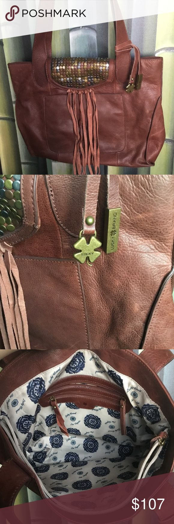 10% OFF 💜 Lucky brand purse Large purse to fit everything you need! Lucky Brand Bags Shoulder Bags
