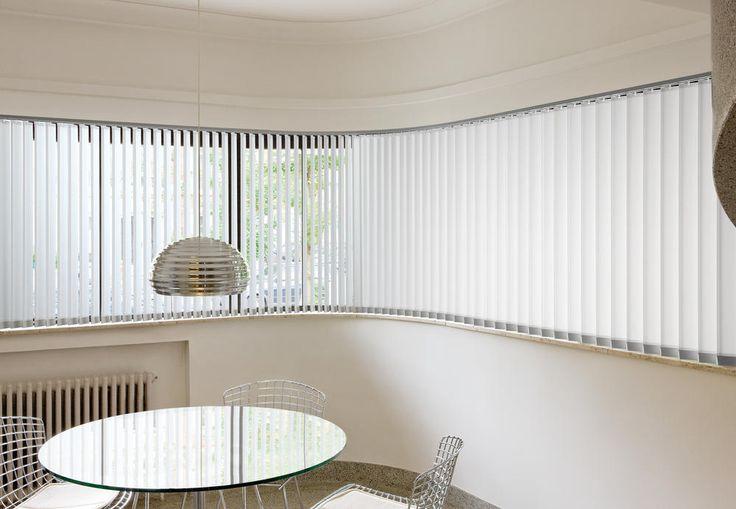 Copahome raamdecoratie / zonwering  verticale jaloezieën wit rond semi transparant / La décoration de fenêtre. Stores à bandes verticales, blanc, semi transparent