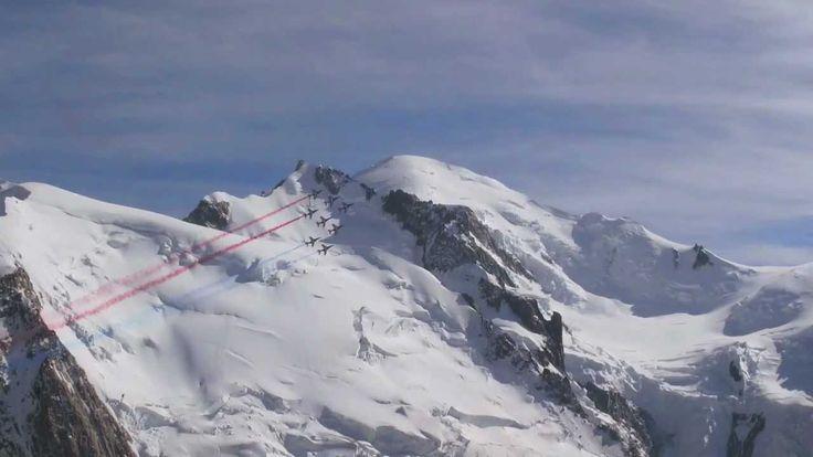 La Patrouille de France survole le Mont-Blanc / French Elite Pilots abov...