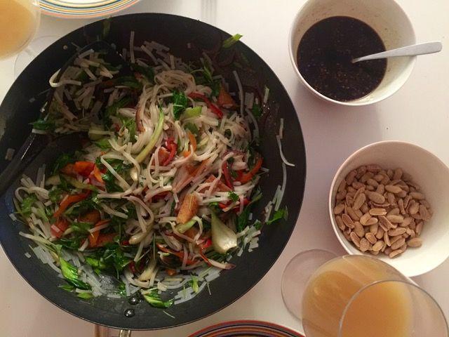 Vietnamesisk Nudelsallad | Jävligt gott - vegetarisk mat och vegetariska recept för alla, lagad enkelt och jävligt gott.