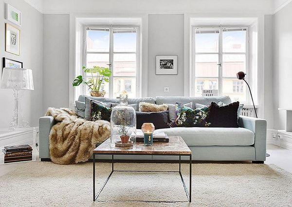 Brunt marmorbord med svart stålram. Marmor, bord, soffbord, svart, ram, stål, vardagsrum, sovrum, hall, möbler, inredning. http://sweef.se/sok?orderway=desc&orderby=position&search_query=marmor