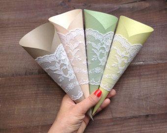 Papieren kegels rustieke bruiloft Pew decoratie door AlMercatino