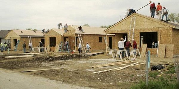 Rencana pembangunan 1 juta rumah http://www.peluangproperti.com/berita/properti/2015-01/5294/rencana-realisasi-pembangunan-1-juta-rumah