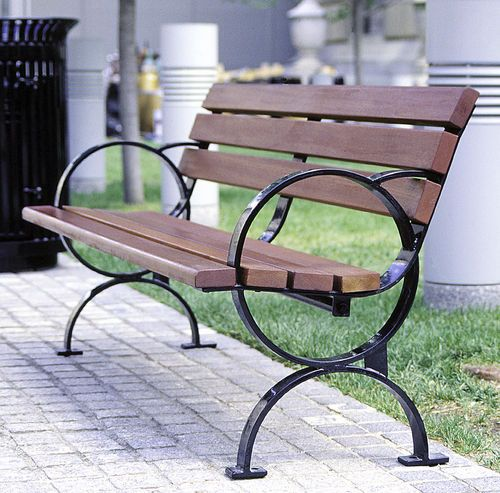 Traditional Public Bench In Wood And Metal With Backrest