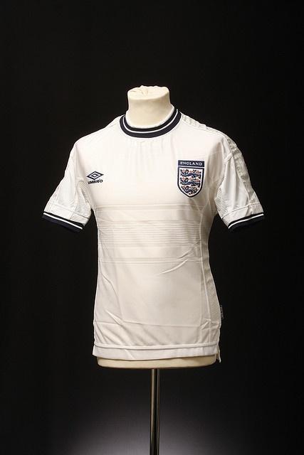 England Football Shirt (Home, 1999-2000)