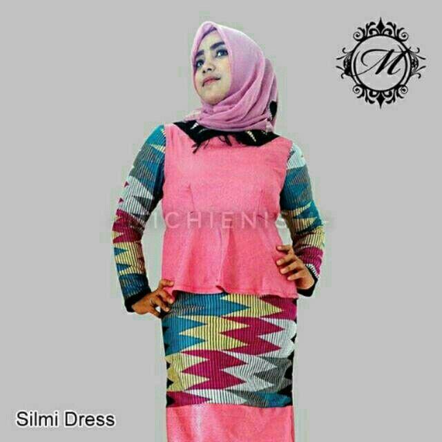 Saya menjual SILMI DRESS seharga Rp450.000. Dapatkan produk ini hanya di Shopee! {{product_link}} #ShopeeID