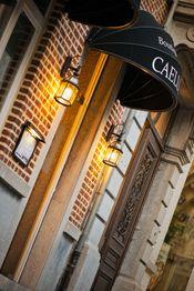 Boutique Hotel Caelus VII Tongeren  Description: Dit boetiekhotel beschikt over kamers met airconditioning. De kamers zijn ingericht met klasse meubels die passen in het gerenoveerde herenhuis uit 1846 en uitgerust met een flatscreentelevisie. Boutique Hotel Caelus VII heeft een restaurant met een terras waar internationale gerechten en Belgische specialiteiten worden geserveerd in een elegante en toch informele sfeer. Er is gratis WiFi beschikbaar.De kamers beschikken over een minibar en…