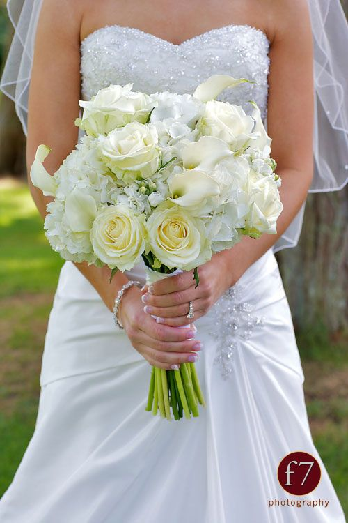 how to make a hand-tied hydrangea bouquet