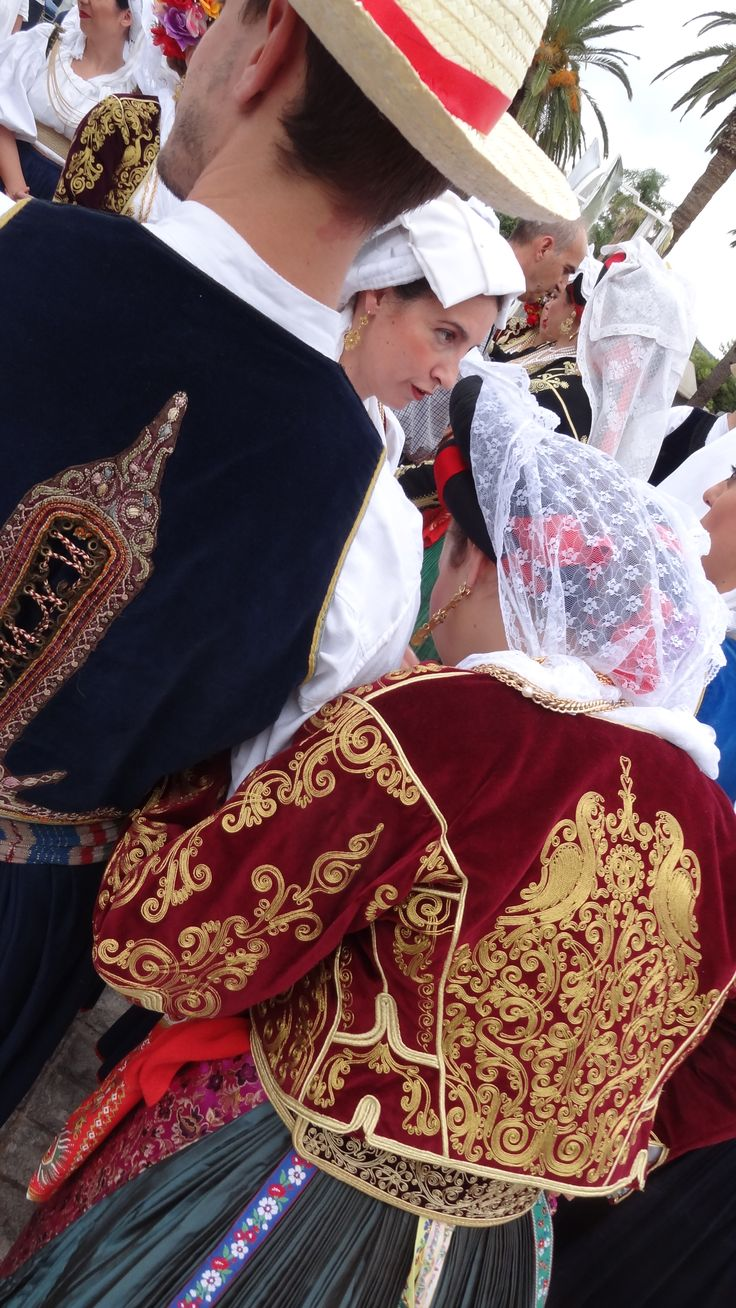 """""""Από τις ρούγες της Κέρκυρας στα σοκακια τ'Αναπλιού"""": Παράσταση του Λυκείου Ελληνίδων Αθηνών με χορούς και τραγούδια από την Κέρκυρα, μετά από πρόσκληση του ΠΛΙ. Ναύπλιο 27.9.015. Φωτογράφος:Νίκος Σαριδάκης Peloponnesian Folklore Foundation"""