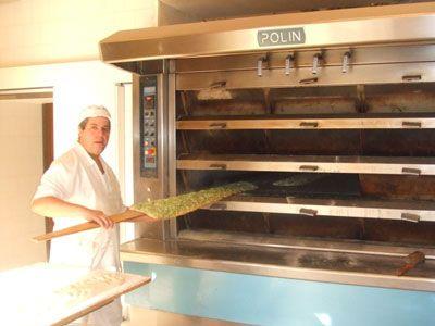 Catch the action at the Il Fornaio Bakery in Campo de' Fiori!