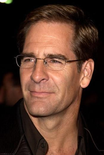 The multi-talented Scott Bakula... my, he has aged gracefully.  I think his Dr. Sam Beckett is what sparked my lifelong infatuation with older men <3