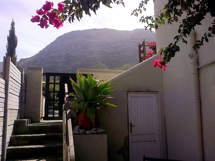 Home Grown - Set within the seaside suburb of Voelklip in Hermanus, Home Grown offers an idyllic getaway to guests.  It is a great option for couples or small groups looking for overnight accommodation in this scenic ... #weekendgetaways #hermanus #southafrica