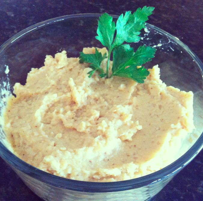 Low Fat Hummus: 5 Minute Recipe!