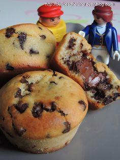 MANDISES.  muffin aux pépites de chocolat avec un coeur coulant à la pâte à tartiner.