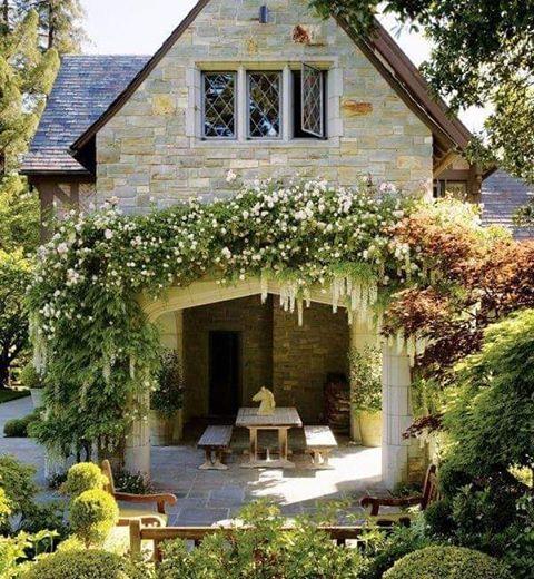 Bahçe dekoru#dekorasyon #çiçekler #kuşlar #kapısüsleri #çelenk #objeler #homedecor #evimdergisi #maisson #table #garden #çiçekbahçesi #garten #evdekor #teras #terace #bahçe #peyzaj ������ http://turkrazzi.com/ipost/1520648454085674052/?code=BUabbZWBgRE