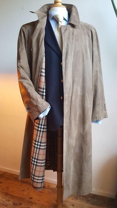 59cdfa8752f Nu in de #Catawiki veilingen: Burberry Prorsum - suède lange mantel ...