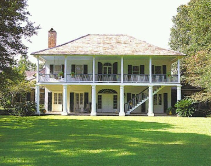 The 25 best southern plantation style ideas on pinterest for Southern homes louisiana