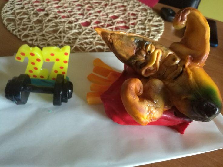 Banana wrestling_detail cake deco_fondant figure