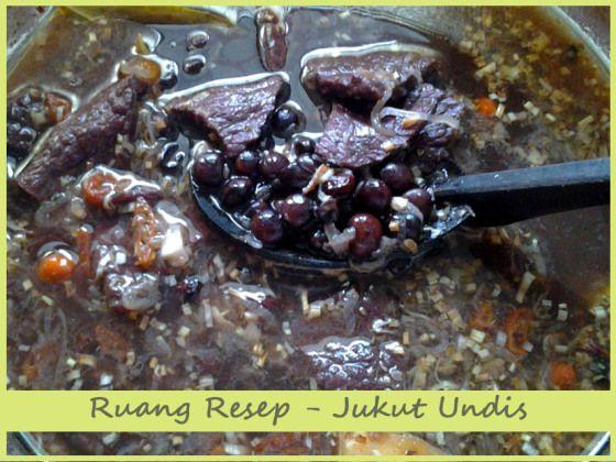 Ruang Resep   Jukut Undis (Kacang Hitam) – Sayur kacang hitam atau dalam bahasa Bali disebut Jukut Undis adalah makanan khas dari Buleleng. Resep berikut ini adalah variasi dari resep asli dari Bul...