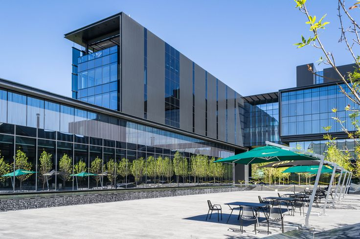 zgf architects / university of oregon football operations center, hatfield-dowlin complex