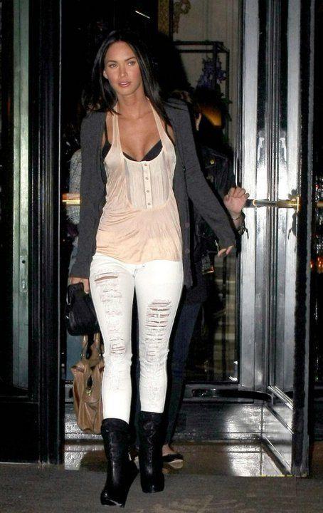 Megan Fox - Waterfall cardigan, distressed white jeans, tank. Love~