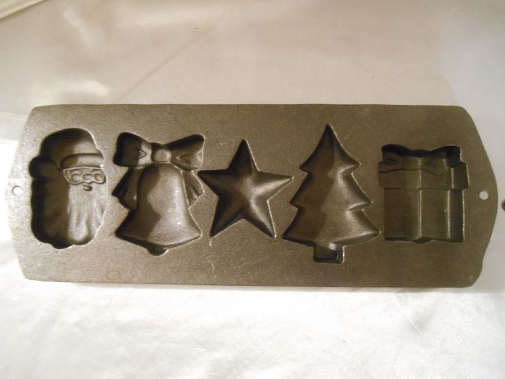 LODGE Cast Iron Christmas Corn Muffin/ Cake /Pressed Cookie Mold Pan~ 5H12 NEW!