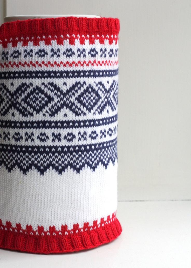 Hand knitted Norwegian Snood in Marius patten.