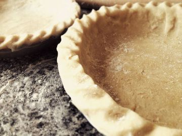 Delicious pie crust made with 7-Up! Great recipe.